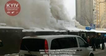 У Києві горить ринок: фото та відео масштабної пожежі