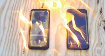 Випробування на міцність: блогер підпалив Galaxy S8 та iPhone 7