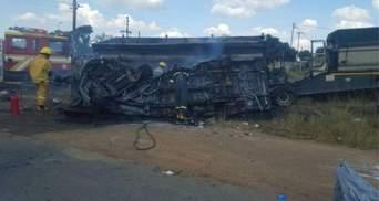 20 дітей згоріли заживо у жахливій аварії в ПАР