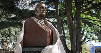 В оккупированном Крыму открыли памятник американскому президенту