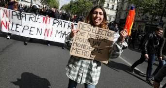 Ни Макрон, ни Ле Пен: французские школьники устроили людные митинги со столкновениями в Париже
