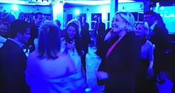 Празднует поражение: появилось видео, как Ле Пен танцует после проигрыша на выборах