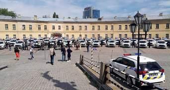 Mitsubishi передала українським поліцейським 635 новеньких автомобілів