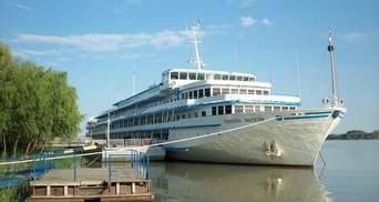 Український круїзний лайнер з Києва через окупований Крим рвонув у Ростов-на-Дону