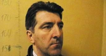 Нападавшего на Осмаева привезли в суд: ему избрана мера пресечения