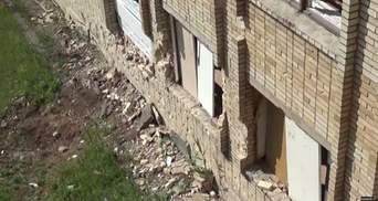 Террористы совершили обстрел школы в Красногоровке