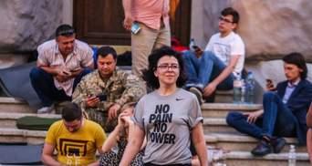 """Как депутаты от """"Самопомочи"""" протестовали против мусорной блокады Львова"""