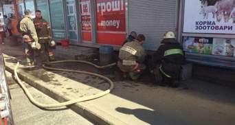 В Киеве загорелся торговый киоск