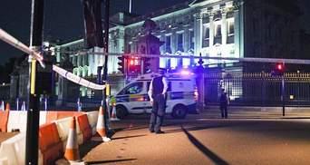 Новий теракт у Лондоні: чоловік напав з ножем на поліцейських