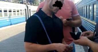 Чоловік відправляв переселенок з Донбасу у сексуальне рабство