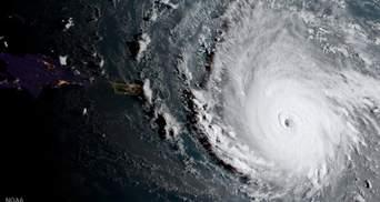 """Ураган """"Ирма"""" надвигается на Флориду: в штате объявлена обязательная эвакуация"""