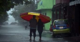 """Ураган """"Катя"""" в Мексиканском заливе получил первую категорию опасности"""