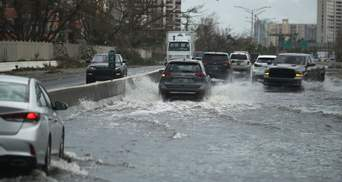 """Через ураган """"Марія"""" у США оголосили штормове попередження"""