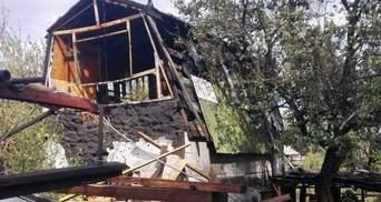 Боевики беспощадно обстреливают Марьинку: шокирующие фото