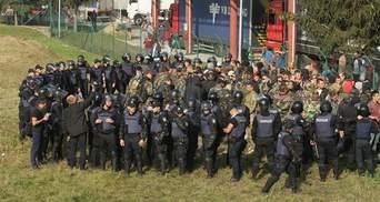 """Повернення Саакашвілі: поліція склала протокол на організатора """"тітушок"""" на кордоні"""