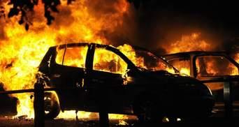 В Киеве во время движения вспыхнуло авто