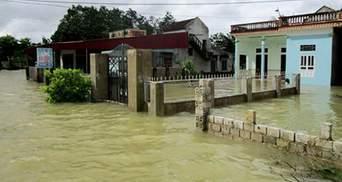 Кількість жертв через повені у В'єтнамі невпинно зростає