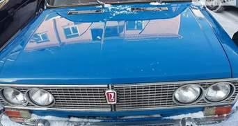 """Старые """"Жигули"""" по цене новой иномарки: ВАЗ-2103 продается за $15000"""