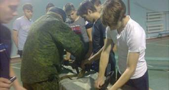 Боевики на Донбассе учат детей воевать: опубликовали фото