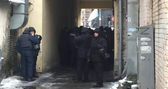 Суд над Саакашвілі: що відбувається під стінами та в залі суду