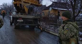 Военные показали, как выглядит Новолуганское после обстрелов: фото