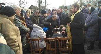 """""""Тварюки!"""": батько Ноздровської на похороні різко висловився про вбивць дочки"""