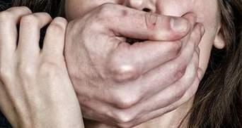 Вбивця, пригрозивши розправою, зґвалтував школярку у Краматорську: жахливі подробиці