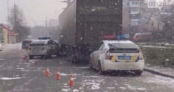 Полицейский Prius влетел в грузовик в Николаеве: фото