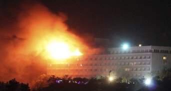 На моих глазах убили семерых, – журналист рассказал жуткие подробности теракта в отеле Кабула