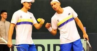 Теннис: Стаховский и Молчанов победили шведов в парном матче Кубка Дэвиса