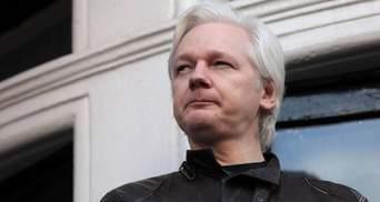 Посидить ще: суд у Великобританії не відкликав ордер на арешт Джуліана Ассанжа
