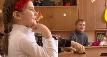Украинские добровольцы посетили школы в Краматорске