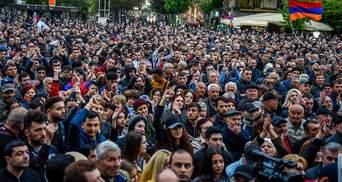 Протести у Єревані спалахнули з новою силою: затримано понад 200 осіб, приблизно 100 травмованих