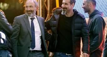 Лідер рок-групи SOAD приїхав до Єревану, щоб підтримати протестувальників