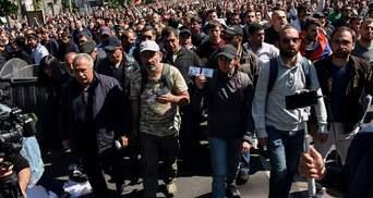 Кремль зробив висновки зі свого українського фіаско, – німецьке видання про протести у Вірменії