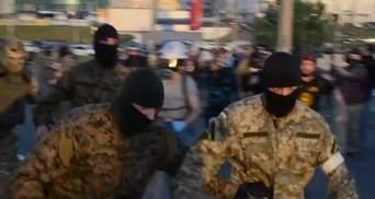 Молодики у камуфляжі та зі зброєю намагалися захопити держпідприємство на Житомирщині
