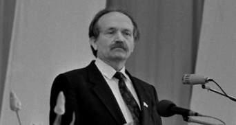 Невідомі осквернили пам'ять видатного політика на Черкащині