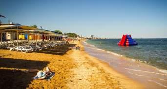 Полупустые пляжи и Путин: оккупированный Крым показали в красноречивых фото