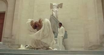 В мережі запустили курйозний флешмоб: танець в простирадлах як у Бейонсе
