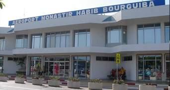 В Тунисе несколько сотен украинских туристов уже вторые сутки не могут вернуться в Украину