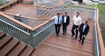 В Киеве открыли уникальные лестницы с Пейзажной аллеи к урочищу Гончары-Кожемяки