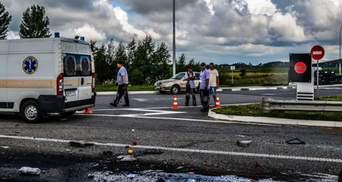Смертельное ДТП под Житомиром: опубликовано жуткое видео первых минут после аварии (21+)