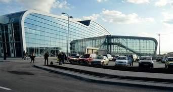 Во львовском аэропорту застряли туристы, которые планировали лететь в Барселону