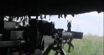 Вражеский снайпер дерзко работал в Красногоровке: видео боя
