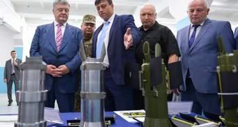 Україна налагодила виробництво дефіцитних та ефективних боєприпасів, – Порошенко