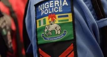 В результате столкновения автобуса с погрузчиком в Нигерии сгорело 13 человек