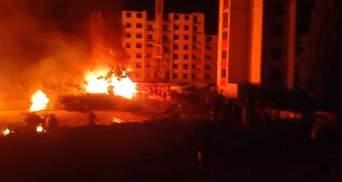 На Киевщине схватка застройщиков и активистов завершилась пожаром: видео
