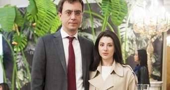 В Крыму и в России продается дизайнерская одежда жены Омеляна