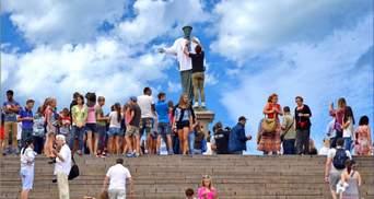 Живая цепь из почти двух тысяч людей в вышиванках: как День Независимости отмечали в Одессе