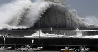 """Потужний тайфун """"Джебі"""" накрив Японію: шокуючі фото та відео"""